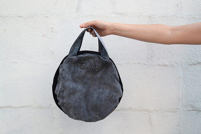 bolso vaquero gris con dorso negro